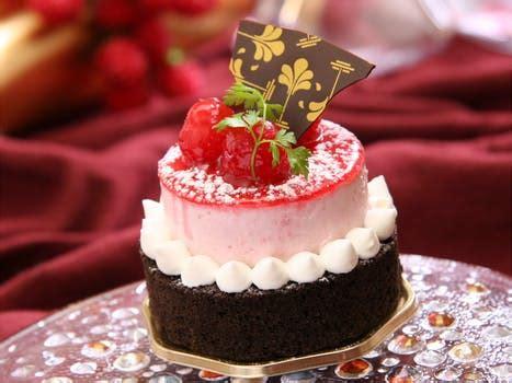 137 beautiful cake pictures · pexels · free stock photos