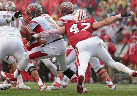 Rutgers Mba Grading Scale by Badgers Football Tom Oates Grades Uw S Performance Vs