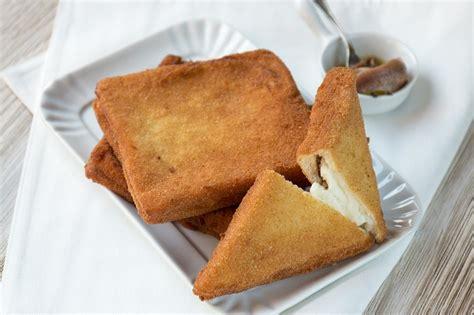 mozzarella in carrozza pangrattato ricetta mozzarella in carrozza cucchiaio d argento