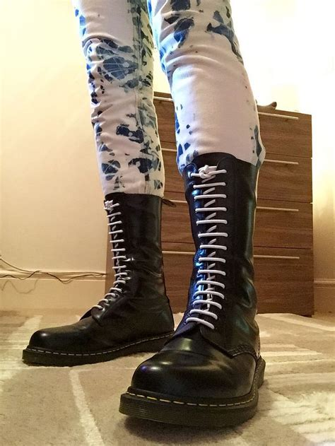 skinhead shoes 99 best images about dr martens on cherries