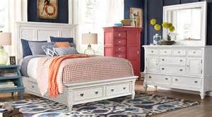 belmar white 5 pc panel bedroom with storage