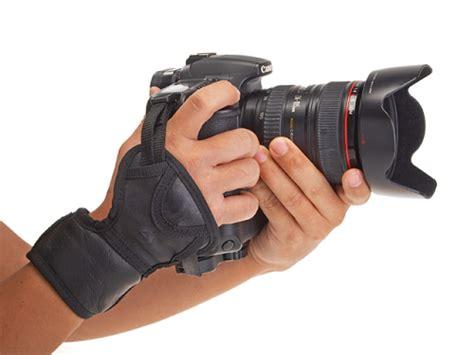 Nikon Handgrip Ah 4 universal 3 point for dslrs photographyblog