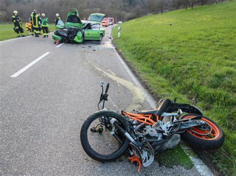 Motorrad Unfall Ktm by Wertheim 22 J 228 Hrige Motorradfahrerin Stirbt Bei Unfall