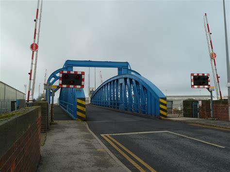 goole swing bridge swing bridge goole docks 169 chris allen cc by sa 2 0