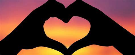 imagenes de love con las manos imagenes de corazones bonitos archivos imagenes de amor