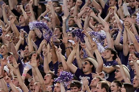 best student sections college football teams with the best student cheering
