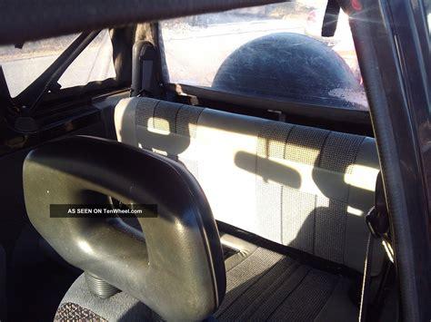 geo tracker base sport utility  door