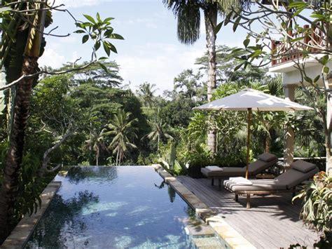agoda ubud raya hotel book ubud cliff villas bali indonesia agoda com