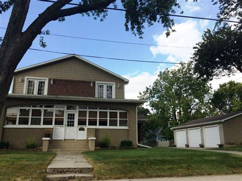 Houses For Sale Peru Il by 1915 6th St Peru Il 61354 Home For Sale Real Estate Realtor 174