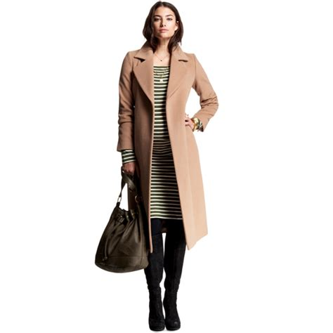fashionable and flattering fall 2011 maternity clothes