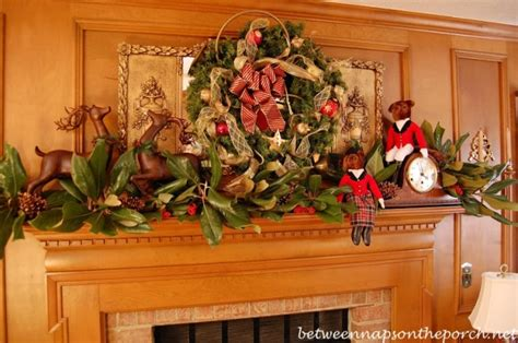 decorating exterior window with wreaths for