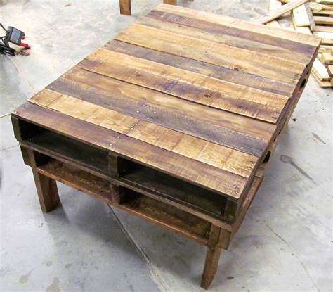 How To Make A Coffee Table From Pallets Two Pallet Rustic Pallet Coffee Table 1001 Pallets