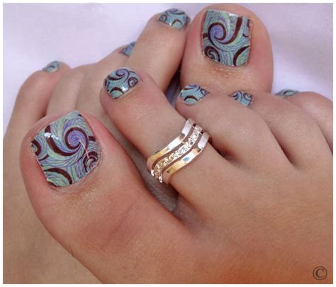 Fancy and Colorful Polka Doted and Floral Print Nail Art for Toe Nails   Womenitems.Com