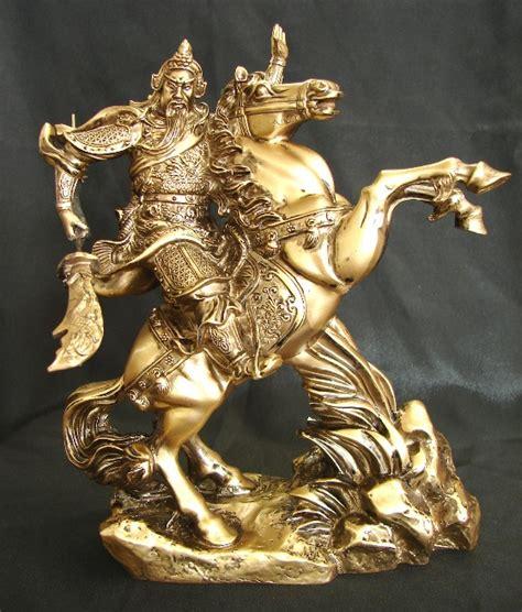 Fengshui Jendral Kwan Kong Guan Yu Kuan Kung Naik Kuda Kebijaksanaan kwan kong on statue