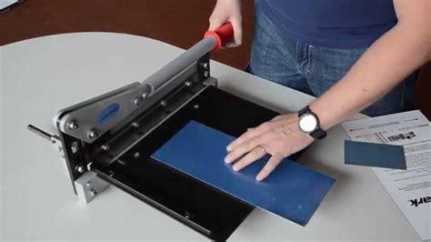 cesoia da banco cesoia a ghigliottina per il taglio di lastre in metallo e