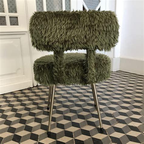 chaise verte chaise moumoute pelfran verte brocante avenue