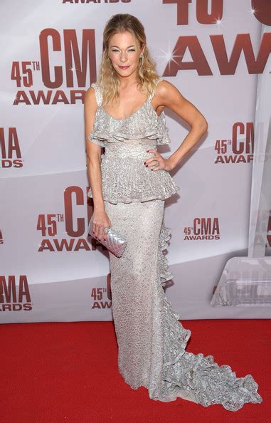 Which Of Leann Rimess 3 Cmas Dresses Do You Like Best by Leann Rimes Evening Dress Leann Rimes Looks Stylebistro