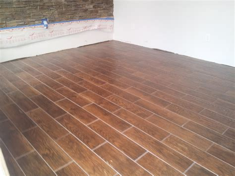 6 quot x 24 quot floor tile that looks like wood planking above