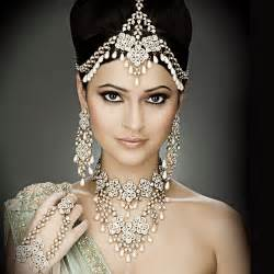 Crystal Chandelier Necklace Indian Bridal Hairstyles Photos And World Fashion
