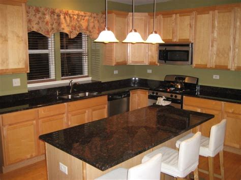 wallpaper that looks like tile for kitchen backsplash granite countertop standard cabinet depth kitchen