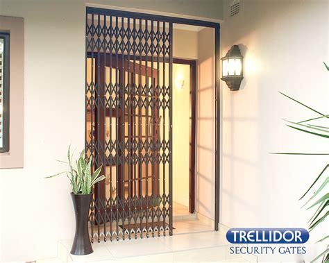 Powder Retractable Default trelly door 3 x trellidor retractable security barriers