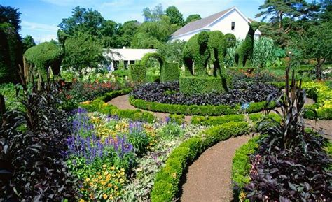 green animals topiary garden photos america s most beautiful home and garden tours