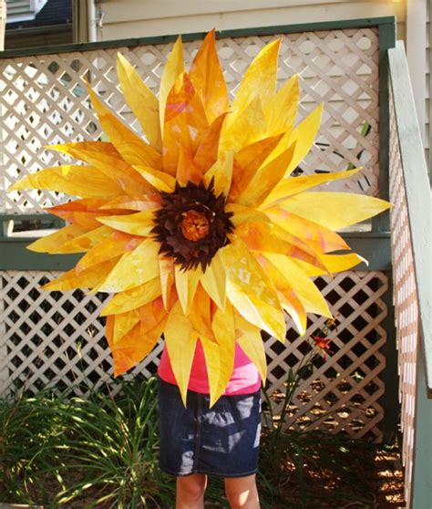 How To Make Sunflowers Out Of Tissue Paper - 30 stunning sunflower crafts ted s