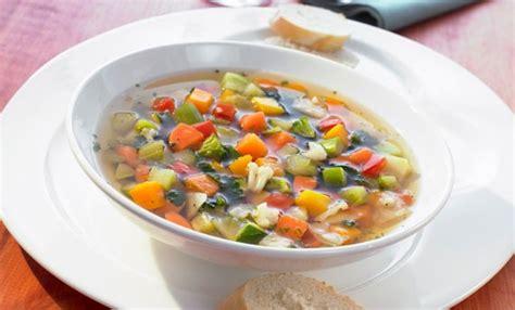 cucina light ricette veloci dieta minestrone 7 ricette light facili e veloci leitv