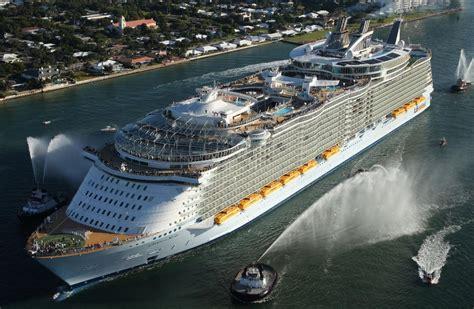 largest cruise line amazing world oasis of the seas the largest luxury