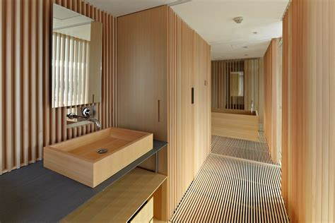 hotel room wooden floors and closet design kyoto kokusai hotel model room 京都国際ホテル 客室モデルルーム