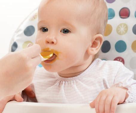 svezzamento alimenti mese per mese il calendario dello svezzamento indicazioni alimentari
