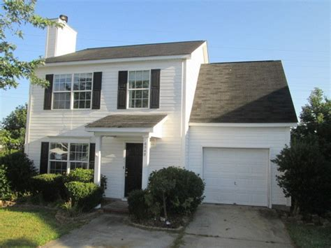10549 creek c nc 28213 foreclosed home