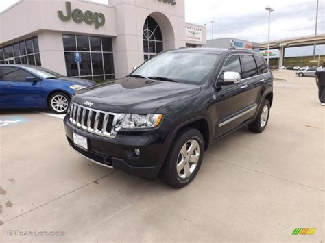 dark green jeep cherokee 2013 black forest green pearl jeep grand cherokee overland