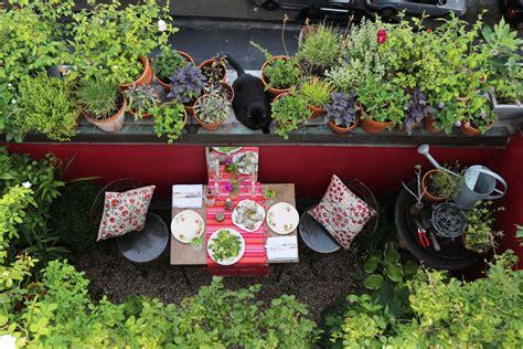 design  small garden ideas  tips curbed