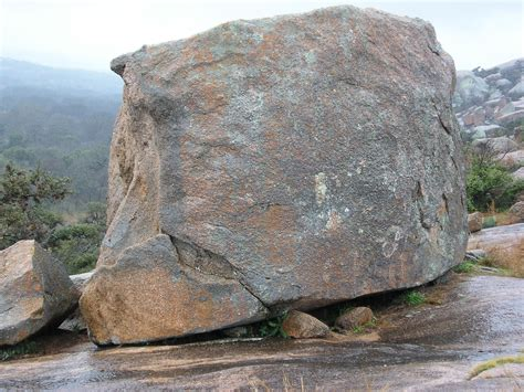 Boulder Records File Enchanted Rock Boulder Jpg Wikimedia Commons