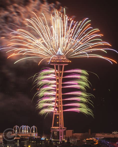 new years space needle new years in seattle space needle fireworks show photos