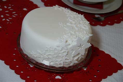 day 1 ideas for decorating your christmas cake baking