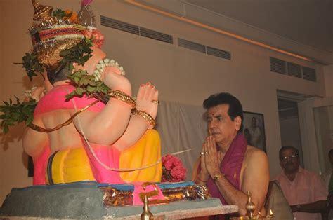 actor ganesh puja veteran actor jeetendra performing ganesh puja at his