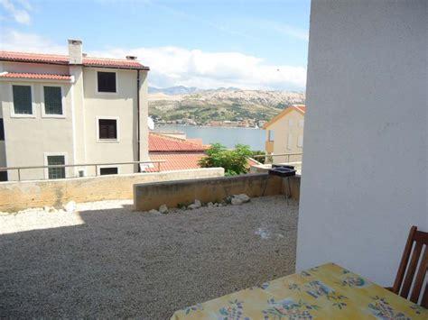 immobilien ferienwohnung kaufen insel pag wohnung mit 2 schlafzimmern und terrasse