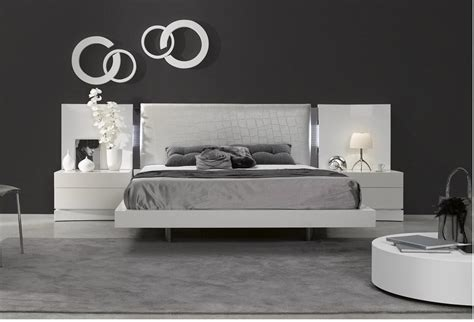 White Glass Bedroom Furniture by White Toughened Glass Bedroom Furniture Best Decor Things