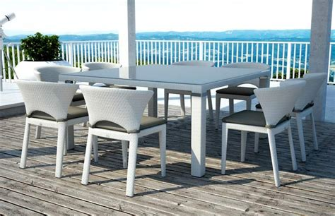 Rex Wicker Dining Table   Couture Outdoor