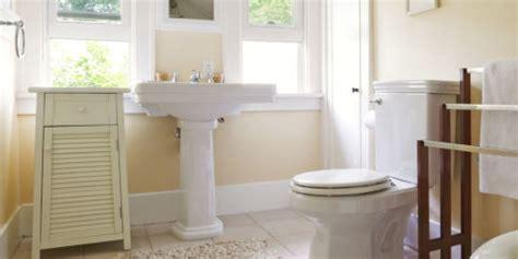easy way to clean a bathtub keep bathroom clean longer bathroom cleaning tips