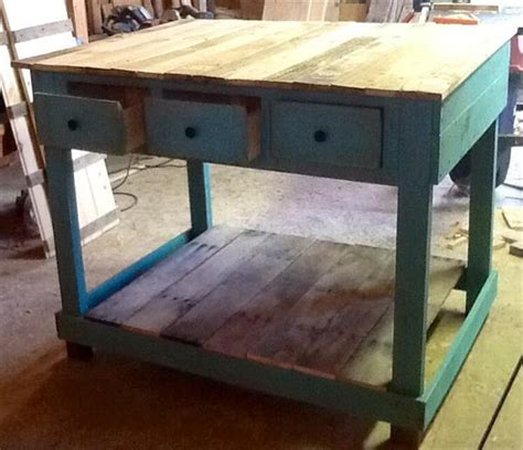 pallet kitchen island bench diy pallet kitchen island table with stools pallet furniture plans