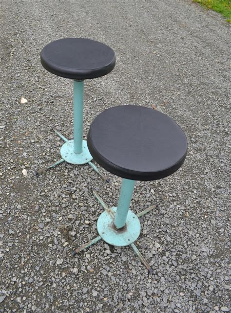 set of 2 ls industrial iron stools set of 2 for sale at pamono