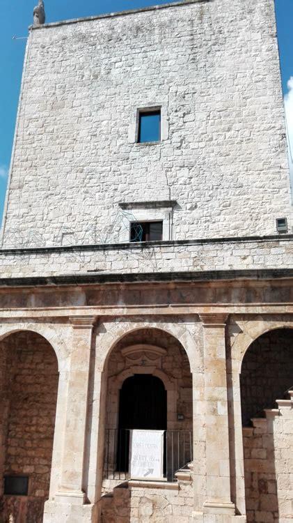porta grande cisternino cisternino cittadina della puglia sulla valle d itria