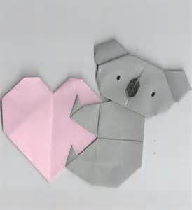 Origami Koala - origami of koala holding a gift ideas