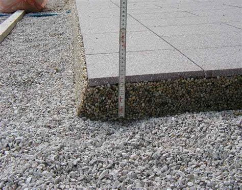 keramikplatten in splitt verlegen drainageverlegung terrassenplatten eska drain drainestrich