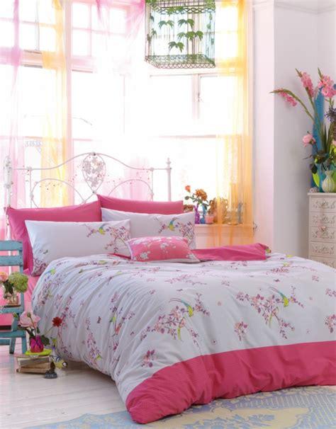 Bett Dekorieren by Dekokissen Modern Sch 246 N Und Praktisch