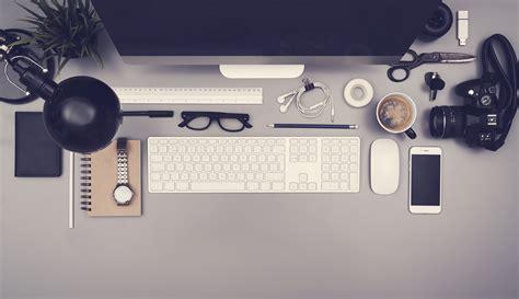 desk for graphic designer