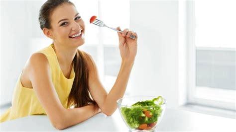 alimenti durante allattamento l alimentazione durante l allattamento paginemamma